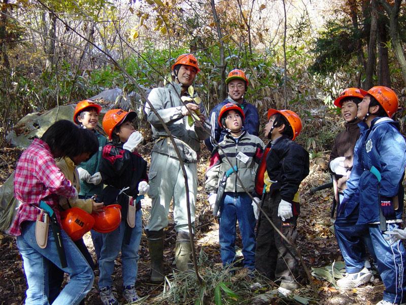 ぼくらの裏山プロジェクト (学校林の活用)
